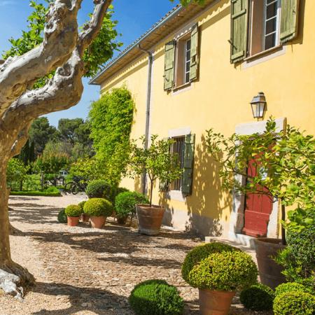 La bâtisse Provençale de Château Malherbe