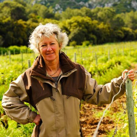 Dominique Hauvette dans les vignes