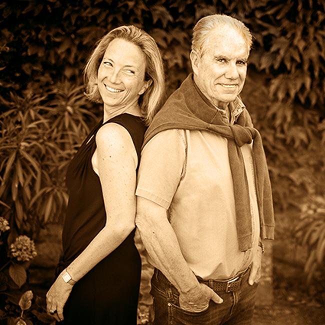Henri Bourg & Nathalie sa fille dos à dos